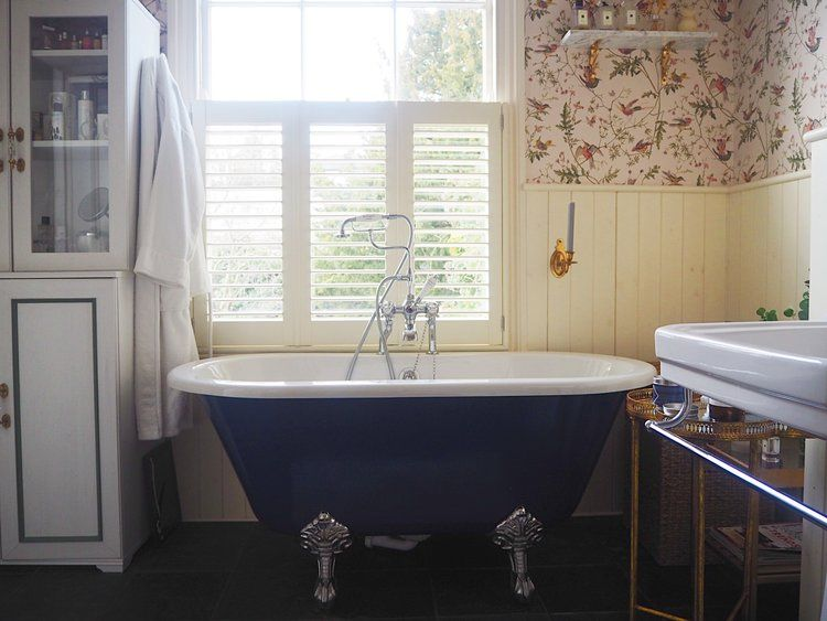 Photo of Mini bathroom makeover: using wallpaper in the bathroom – MELANIE LISSACK INTERIORS