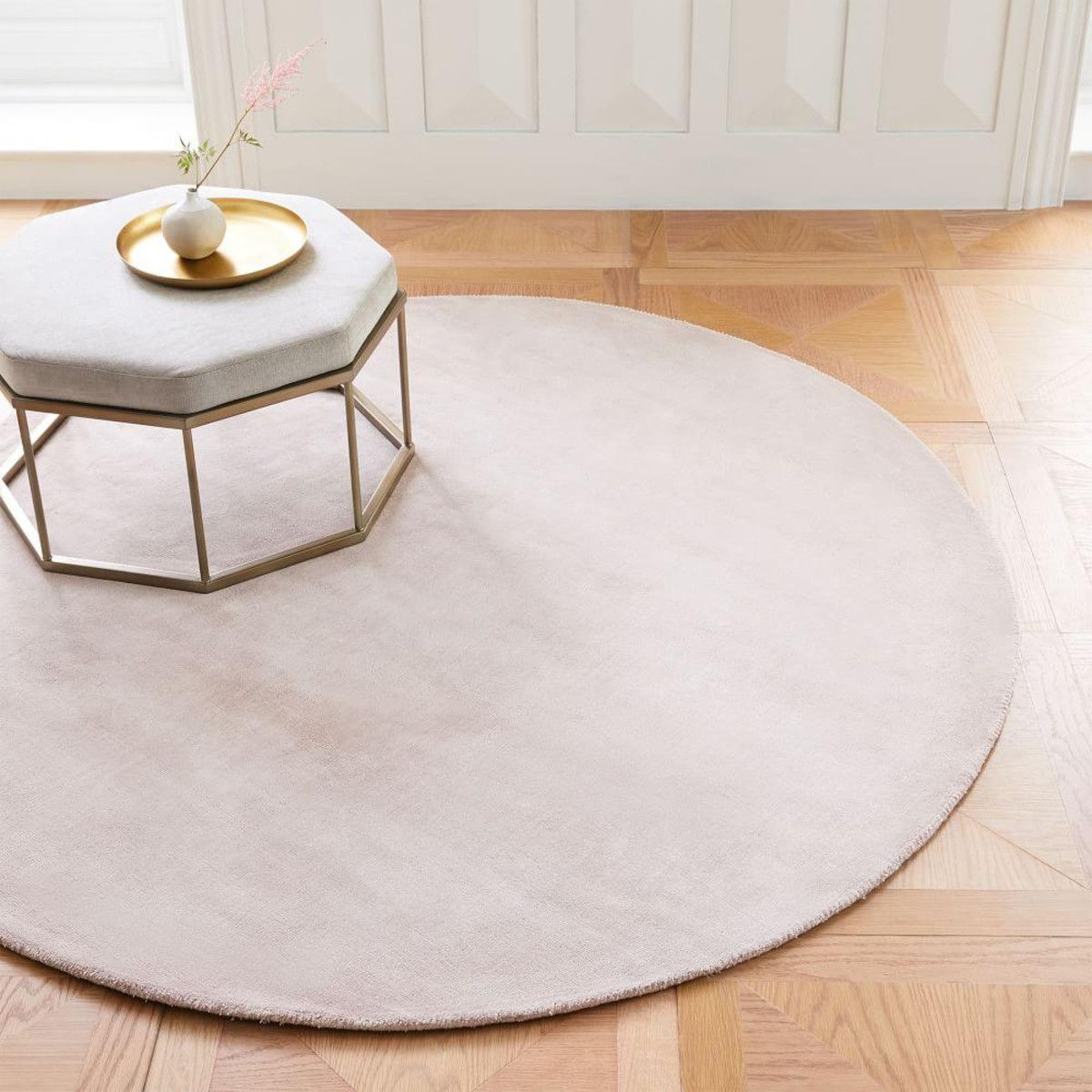 Lucent Round Rug Dusty Blush Round Rugs Rugs Area Rugs Diy