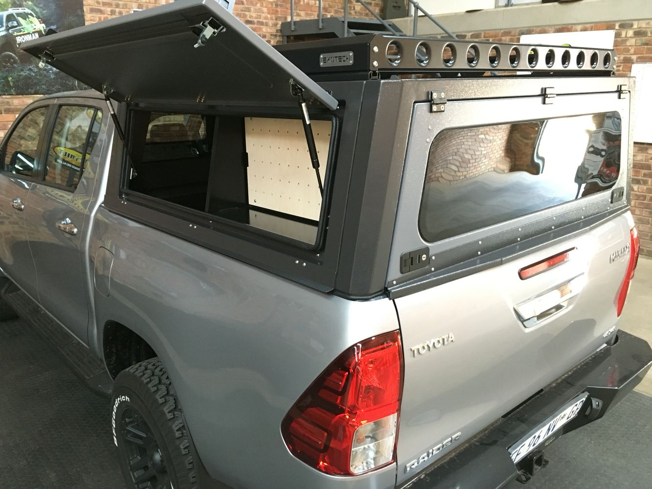 Hilux Aluminium Canopy & Hilux Aluminium Canopy | Toyota Hilux 4x4 | Pinterest | Canopy ...