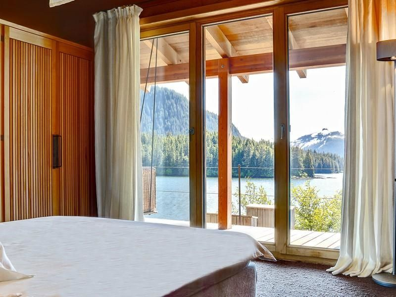 Extraordinary Property Of The Day Waterfront Retreat In Sitka - Asian palace sitka