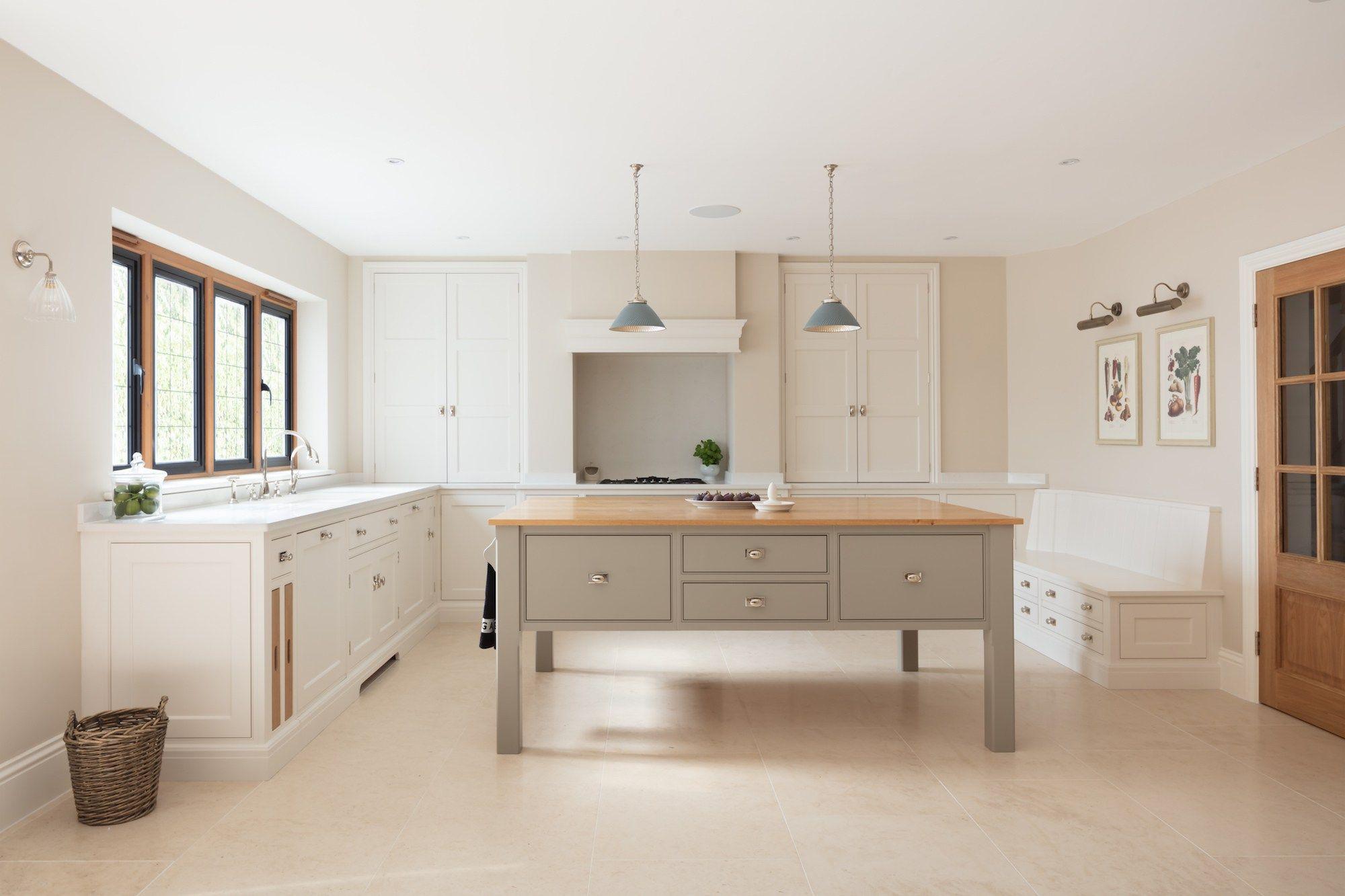 luxury family kitchen gerrards cross humphrey munson kitchens
