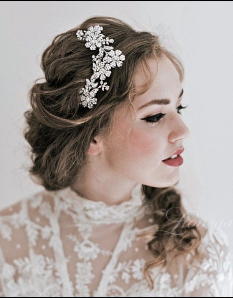 wedding hairstyles with tiara for medium length hair