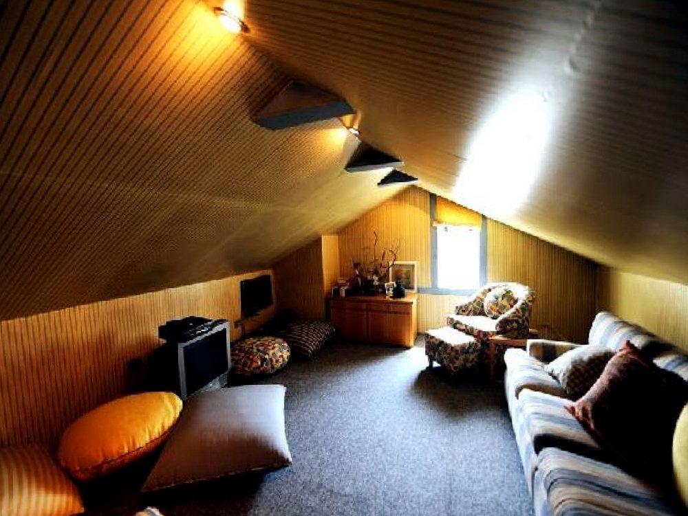 Low Ceiling Attic Ideas Attic house, Attic rooms, Attic