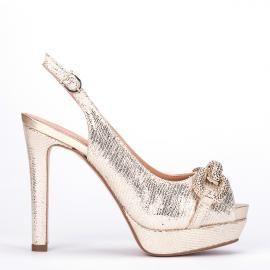 Peeptoe Pedro Miralles en metalizado platino con joya delantera #shoes #shoeporn #trends #ss16 #shoes #pedromiralles #shoeaddict #madeinspain #joya