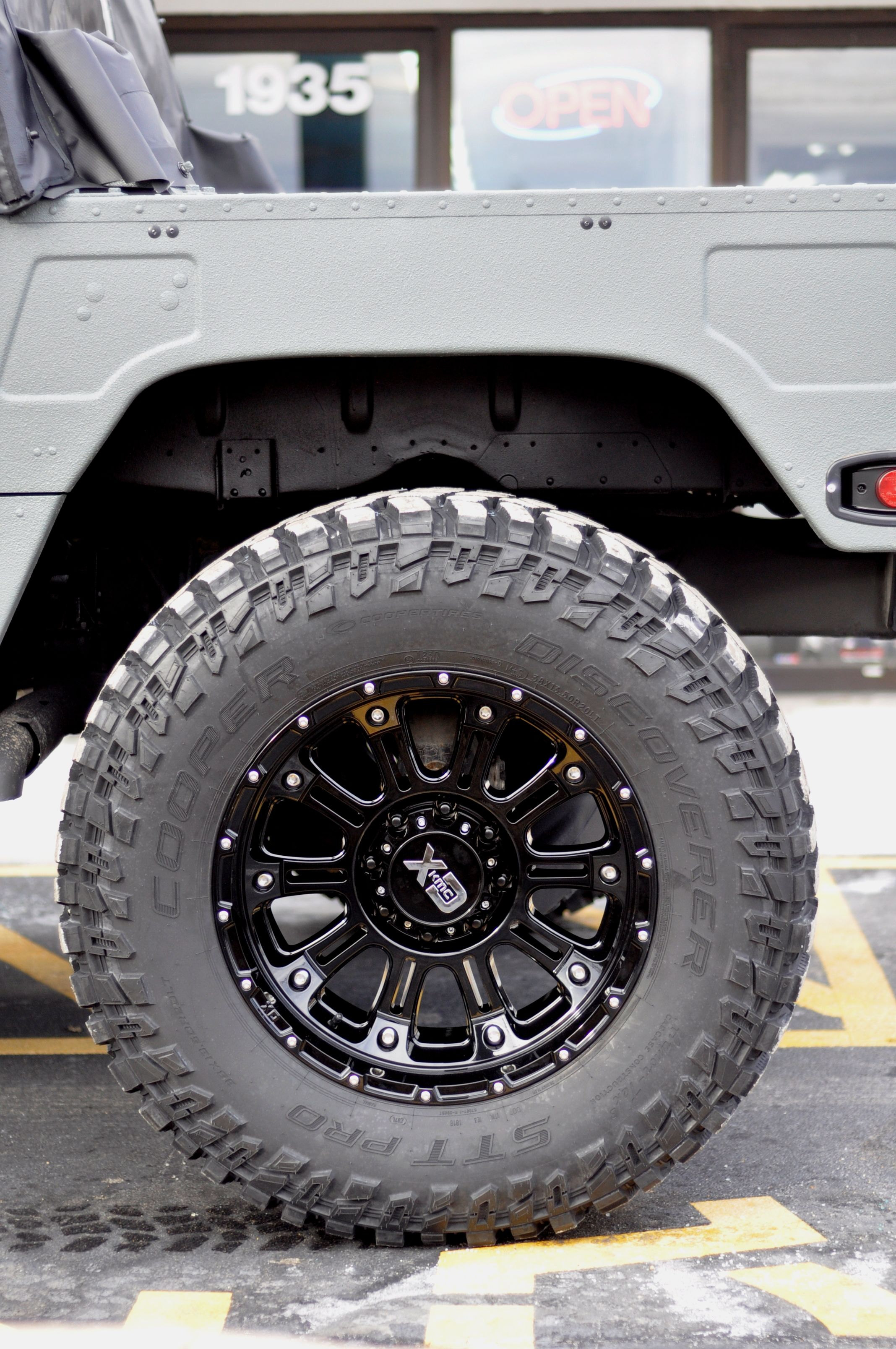 38 inch cooper stt pro tire on a 20 inch xd series wheel at axleboy off road this is how we roll