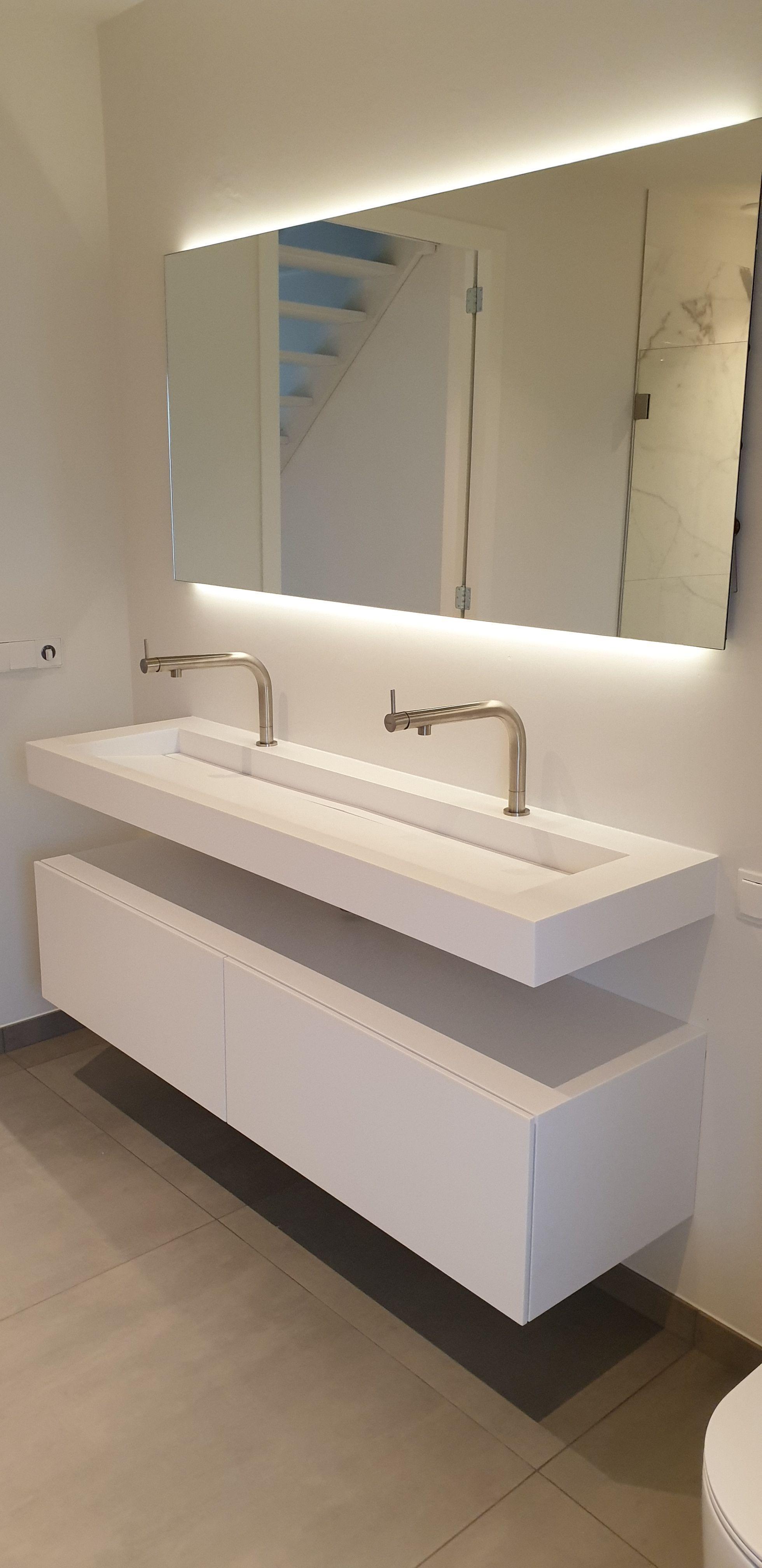 Tiz Design Kwaliteits Badkamermeubels Solid Surface Badkamermeubels Spiegel Badkamer Ontwerpers
