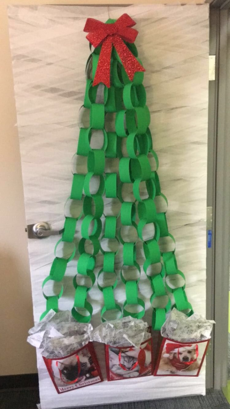 Easy and Cheap Door Christmas Tree! Christmas decorations