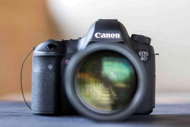 Canon 6D vs Canon 60D Full Frame vs Crop Sensor | Bodies