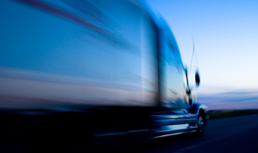 300 000 00 Settlement 4 Times More Than Offered In Tractor Trailer Semitrailer Interstate Collision Truck Driving Jobs Local Move Truck Driver
