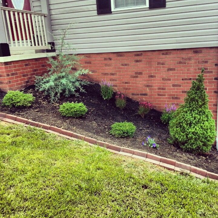 60 Bricks At Lowes Create The Perfect Border For A Flowerbed With Images Landscape Borders Garden Landscape