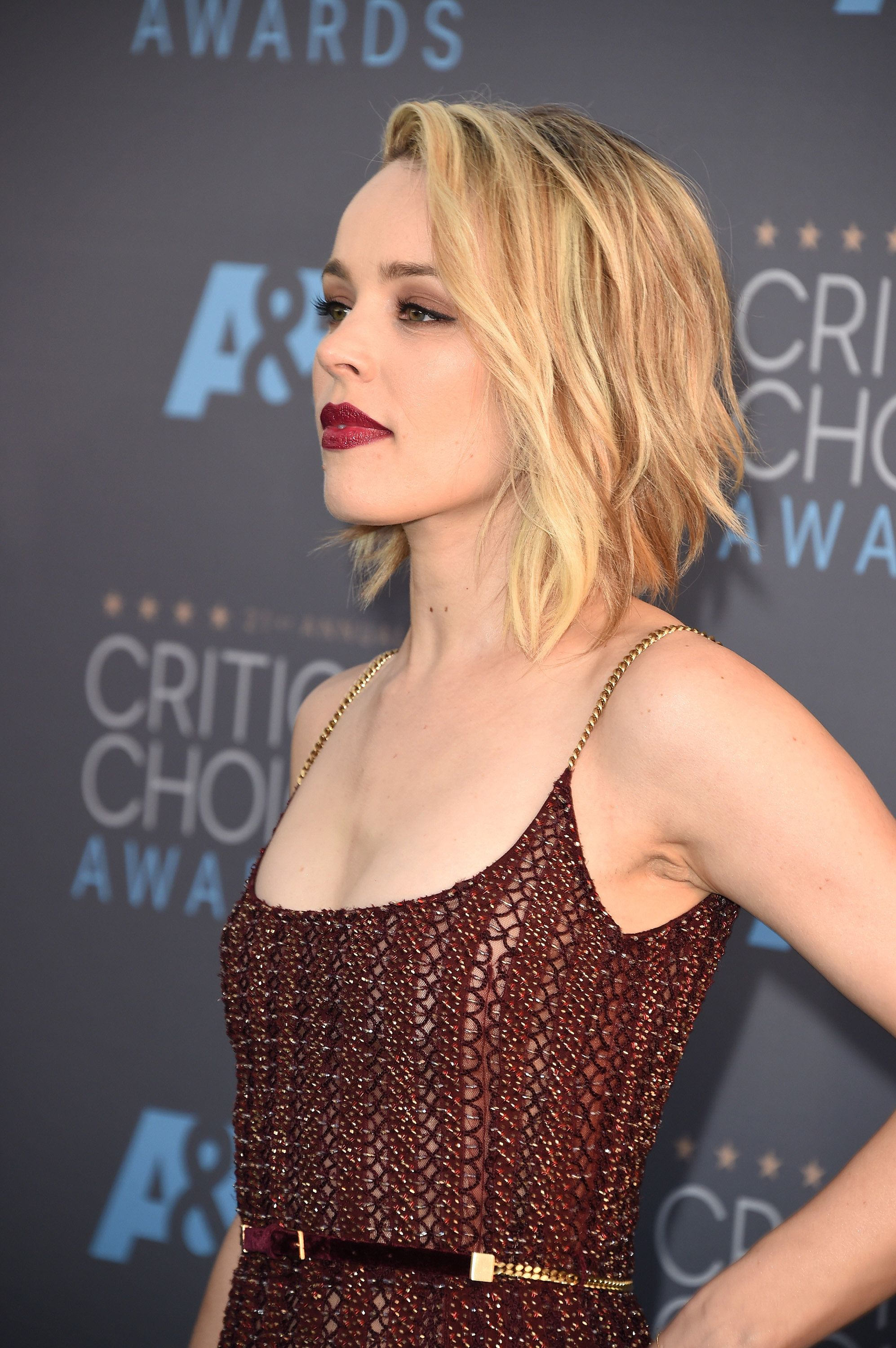 Katie lowes long wavy casual hairstyle thehairstyler com - Rachel Mcadams