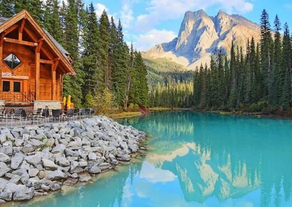 Emerald Lake, British Columbia via @missjetsetter