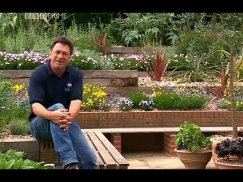 Alan Titchmarshu0027s How To Be A Gardener S02E06 Hot Spot Garden Gallery
