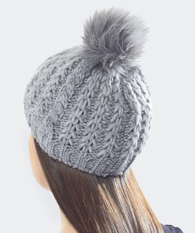 Gebeana Cable Knit Pom Pom Hat