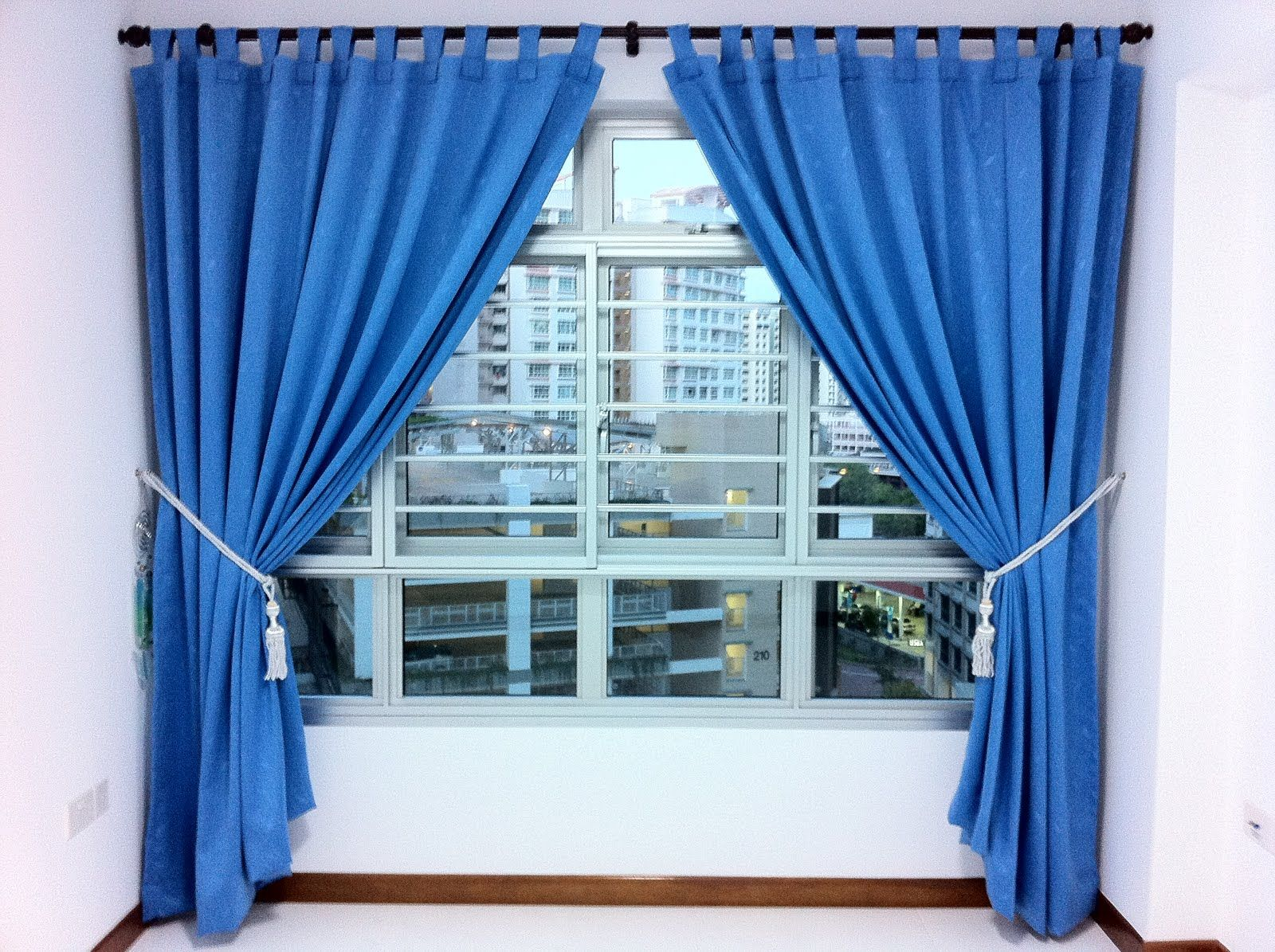 Light blue curtains living room sky designs thomas the for Living room ideas blue curtains