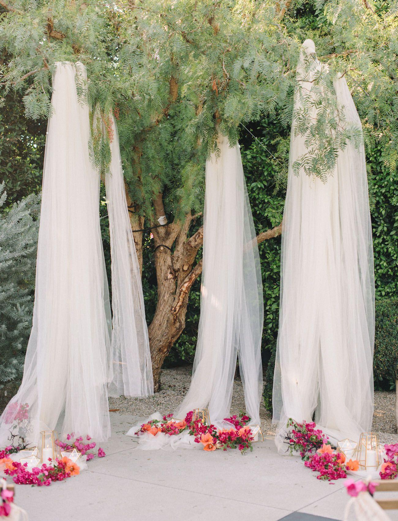 Bright + Modern Wedding Inspiration at The Fig House | Green Wedding Shoes  | Diy wedding backdrop, Outdoor wedding backdrops, Tulle wedding decorations