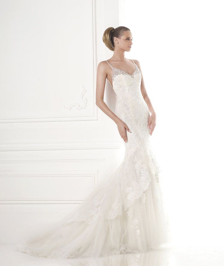 Brautkleider aus der Kollektion Fashion 2015 - Pronovias MEIN TRAUM ...