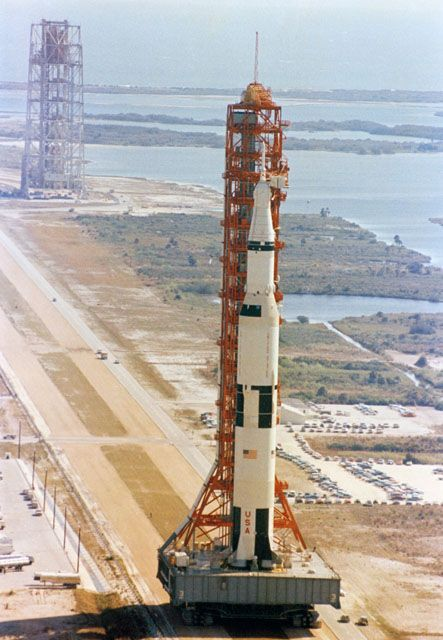 Apollo 10 - crawler rolls out the Saturn V from the VAB to te launch pad