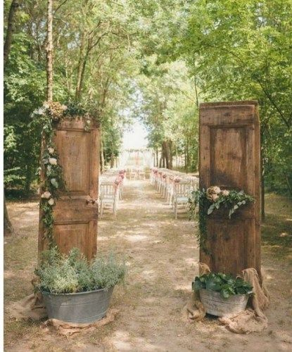 Outdoor Wedding Ceremony Doors: 70+ Simple Beautiful Rustic Backdrop Wedding Ideas In 2020
