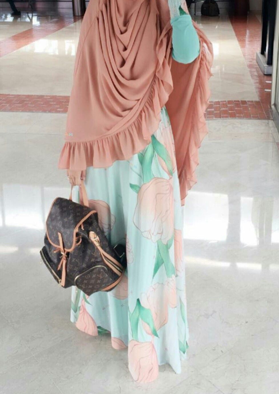 Pin by ria dwi f on hijab pinterest hijabs hijab dress and abayas