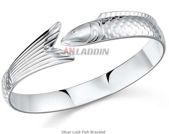 Silver Luck Fish Bracelet  http://www.anladdin.com/silver-luck-fish-bracelet.html