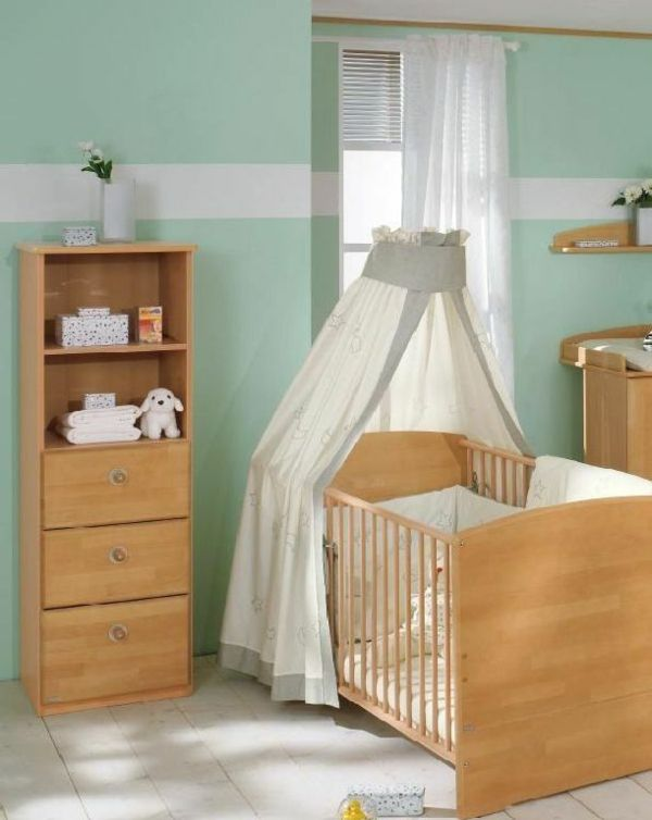 Wandgestaltung Kinderzimmer Farben Mintgrün Kinderbett Holzmöbel