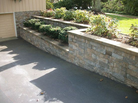 Driveway walls google search driveway pinterest for Block wall landscape design
