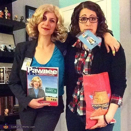 """Leslie Knope from """"Parks and Rec"""" and Liz Lemon from """"30 Rock"""" 