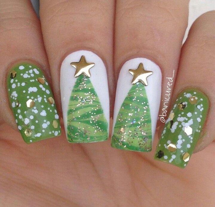 Water marble Christmas tree nail art | Uñas tendencias | Pinterest ...