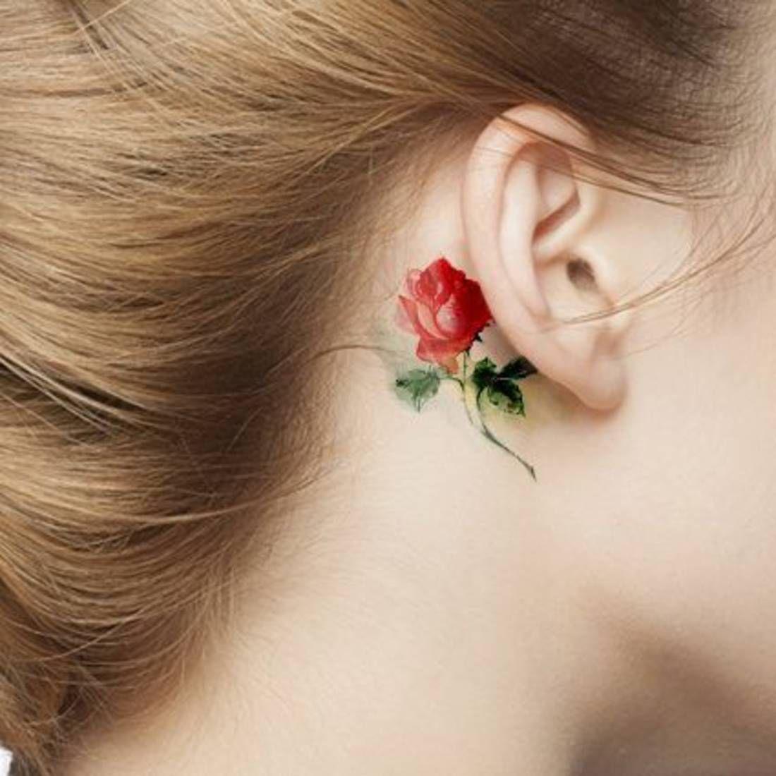 Tatouage aquarelle rose