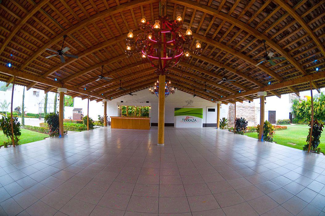 La gran terraza el mejor sal n de eventos en puerto vallarta lugar para eventos la gran for Casa jardin buffet