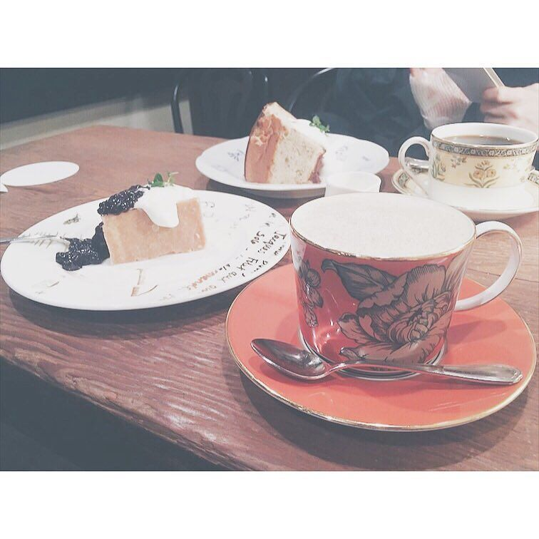 おしごと終わりに会社のアンオフィシャル部活動ゆるくて素敵な方々に恵まれています癒しの時間  #まるカフェ巡り #coffee #cafe #shibuya #茶亭羽當