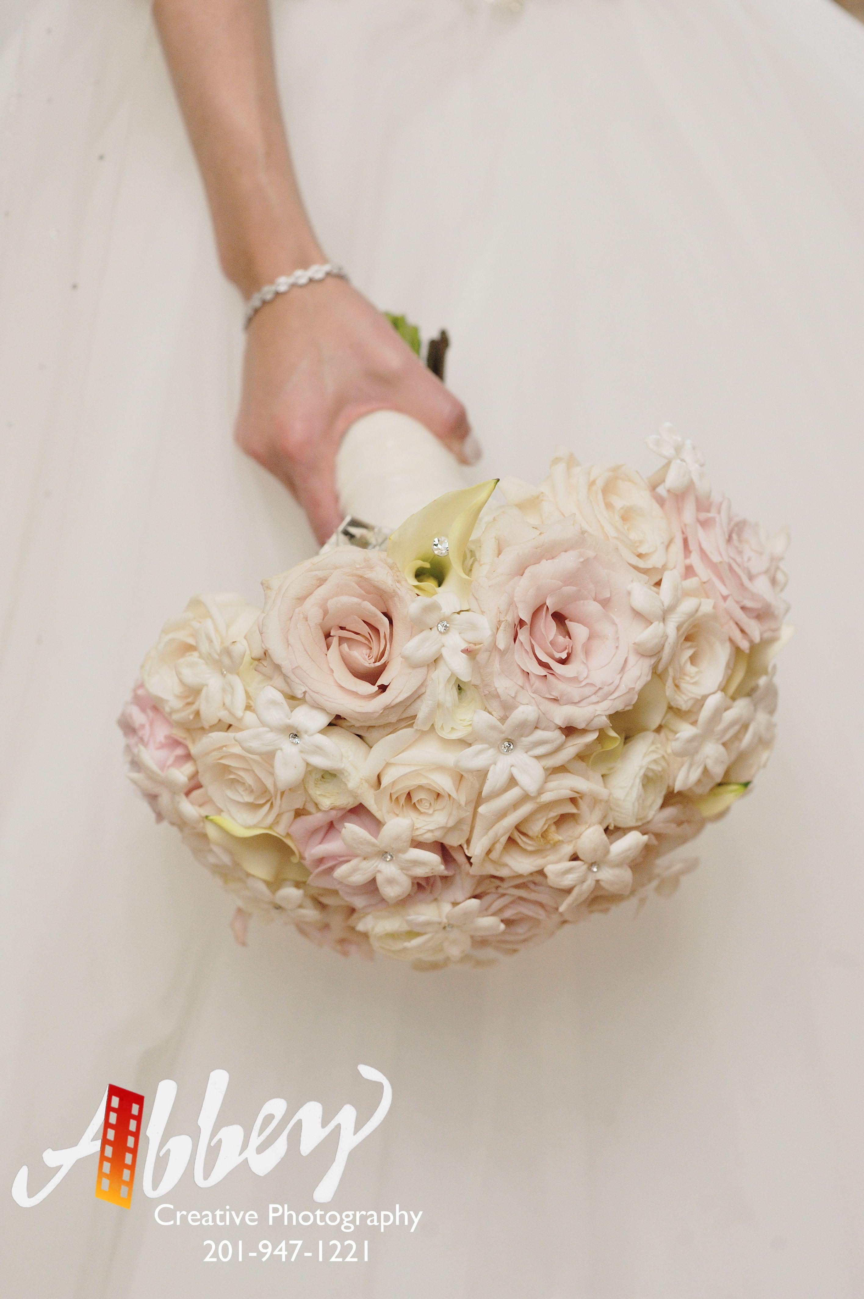 #weddingflorist #njweddingflorist #201 #Bergen #njflorist #luxweddings #2016bestofknot #2016coupleschoiceaward#weddingwire #theknot #bridebook #njweddings #smp #callustoday #solovely #huffpostido #bouquet #bridalbouquet