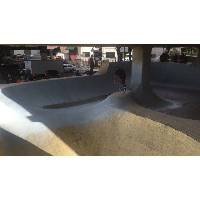 Quick little Burnside clip with @alexperelson #tsmnorthwesttour #skateboarding #burnsideproject #portland #theskateboardmag