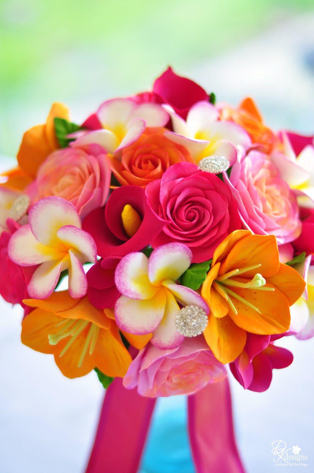 tropical wedding flowers table arrangements tropical wedding bouquet for a destination maui. Black Bedroom Furniture Sets. Home Design Ideas