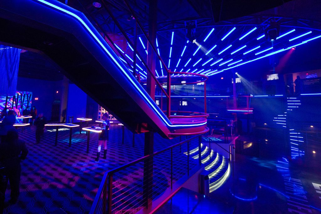 Nightclub design google search 3 pinterest for Night light design