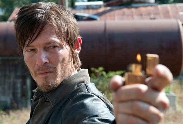 How Does Daryl S Hair Stay Salon Fresh In The Midst Of Zombie Attacks Walking Dead Characters Walking Dead Daryl Walking Dead Season