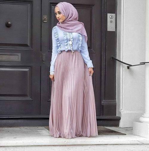 Pleated lila maxi skirt-Hijab style 2017 u2013 Just Trendy Girls | Hijabi outfits | Pinterest ...