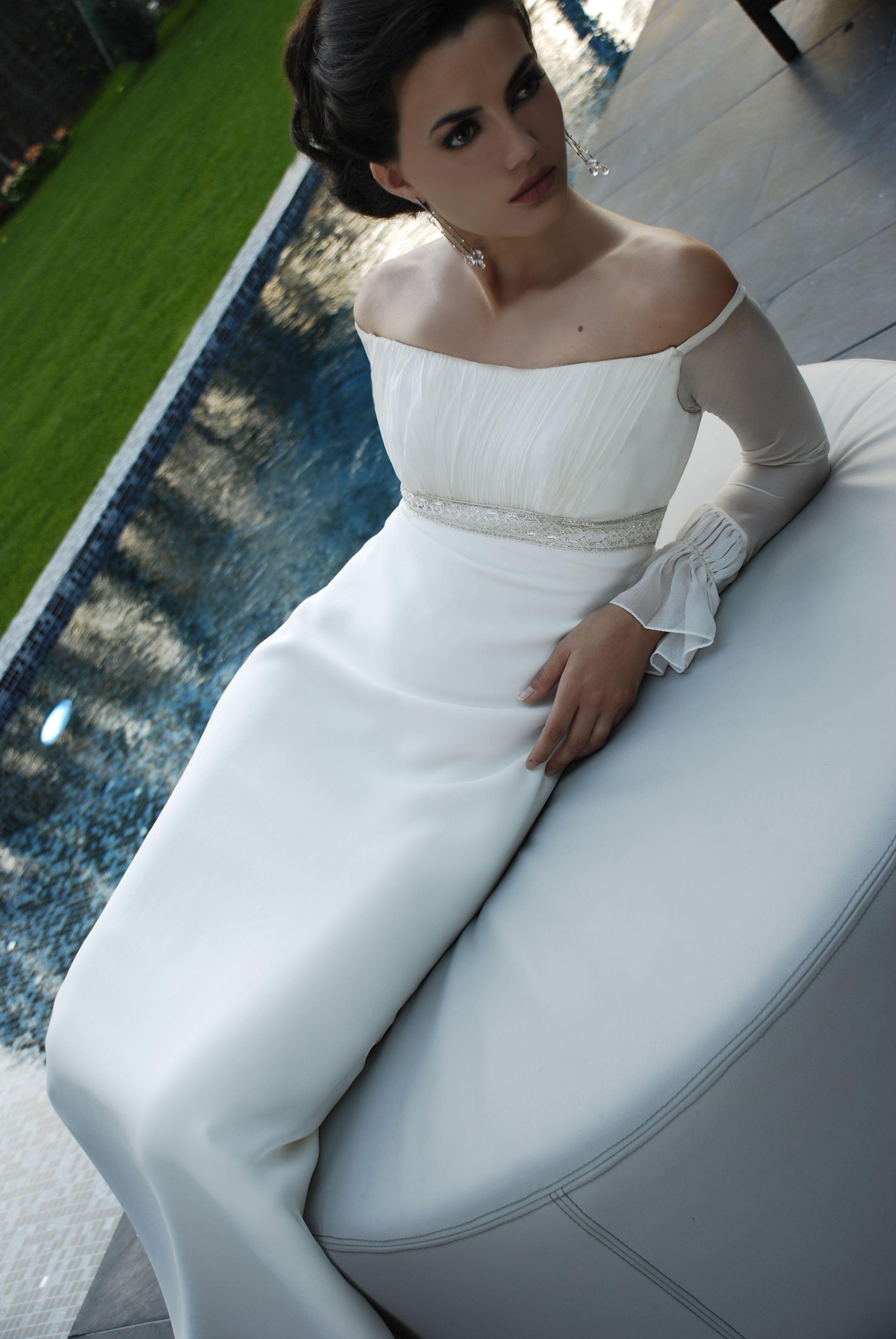 Vestido novia corte imperio, escote drapeado y manga de gasa ...