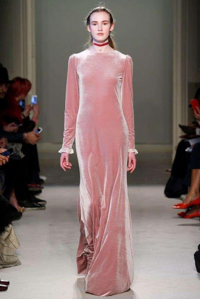 Tendenze Milano Moda Donna Autunno-Inverno 2016-2017 - Luisa Beccaria abito  rosa 63cd41aecbf