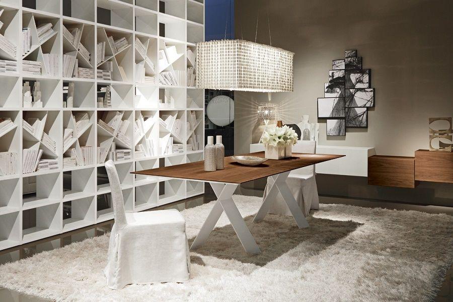 Sala da pranzo in stile moderno e libreria bianca interior design ...