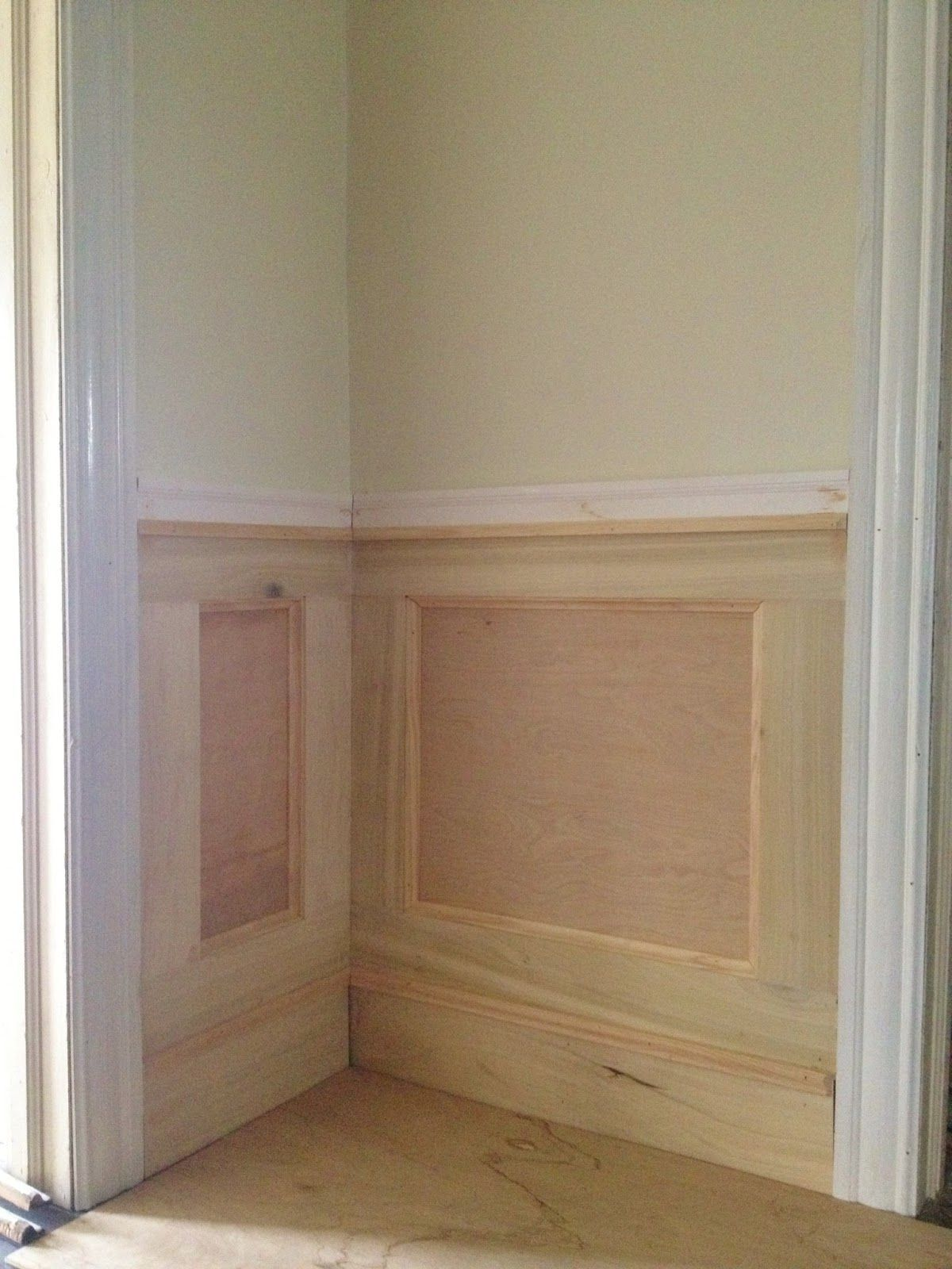 17+ Sublime Hallway Wainscoting Basement Stairs Ideas