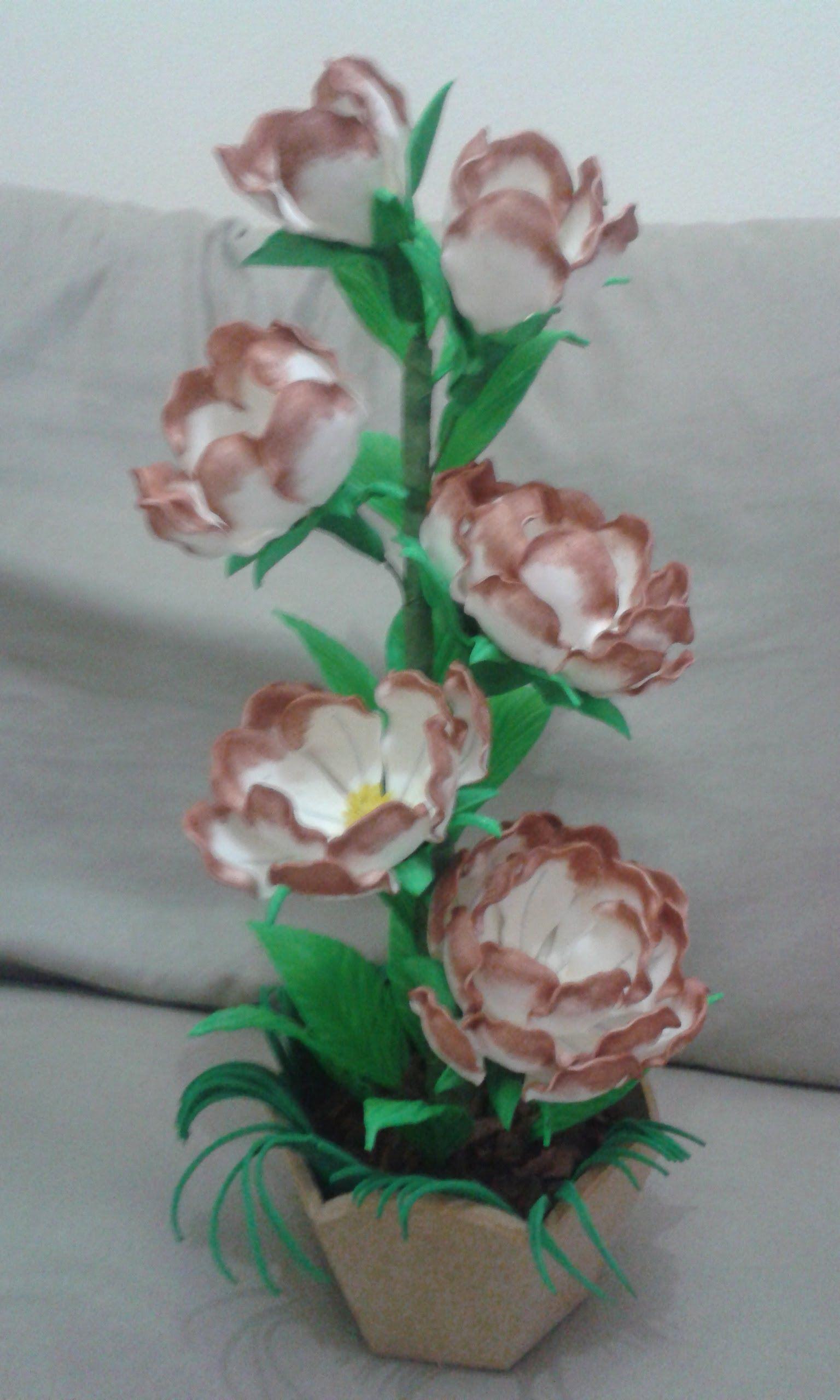 Flor Magnolia De E V A Ou Isopor De Caixa De Ovo Flores Em Eva