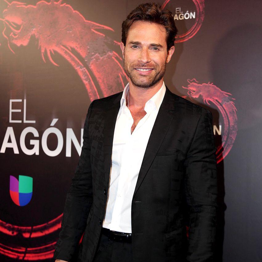 Sebastián Rulli Y Su Historia Con El Dragón Sebastian Rulli Dragones Actriz Mexicana