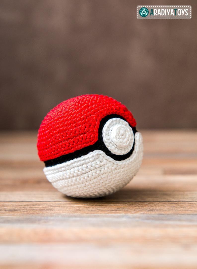 Crochet Pattern Of Pokeball From Pokemon Etsy Patrón De Ganchillo Amigurumi Patrones Gratis Hecho A Mano