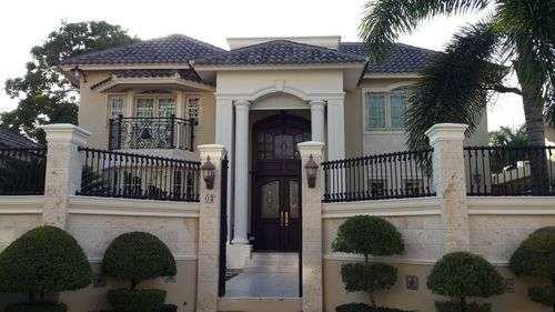 Casa en venta en villa olga santiago House styles, Entry