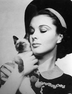 The Cat Ladies: Cecil Beaton & Cat