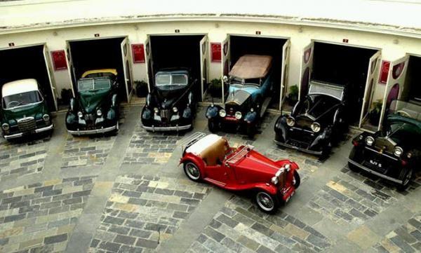 Resultado De Imagem Para Classic Car Garage