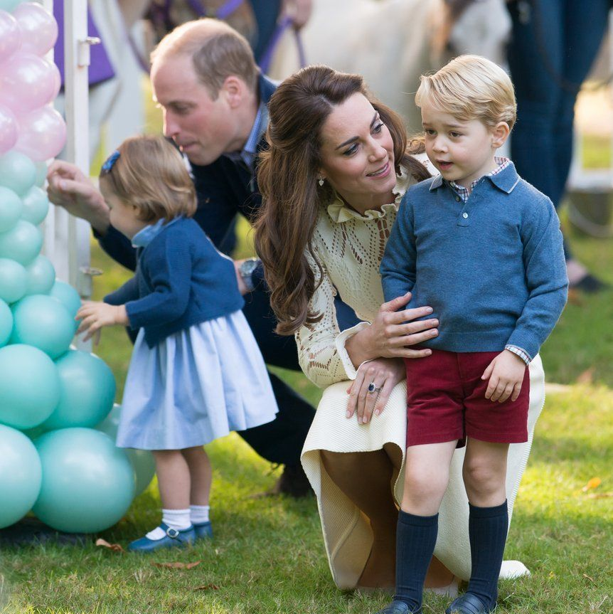 Prince William and Kate Middleton's sweet family portraits with George and  Charlotte