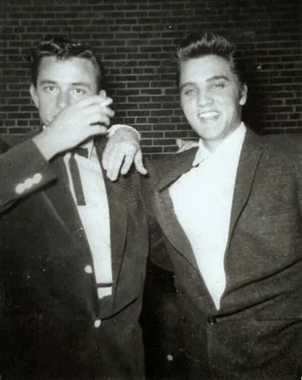 Johnny Cash and Elvis Presley | Young elvis, Elvis, Johnny cash
